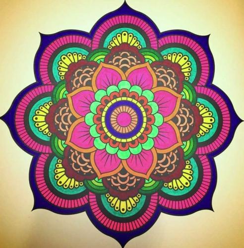 mandalas coloreados de flores tonos rosas