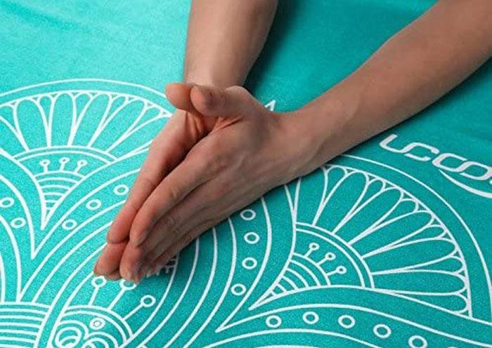 Esterillas de yoga con mandalas turquesa