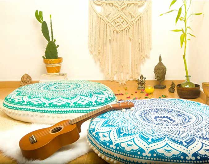 Cojines de mandalas turquesa para meditación