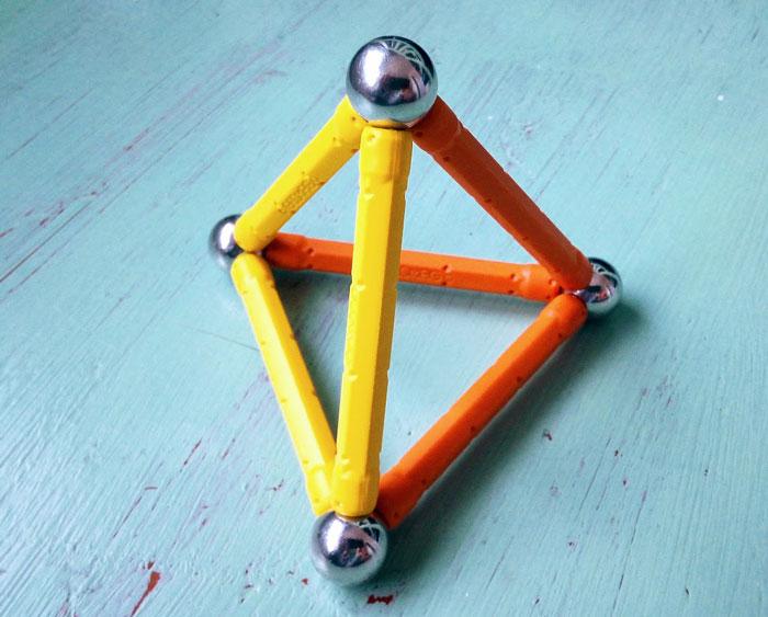 Tetraedro geometría sagrada